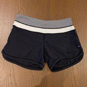 LULULEMON size 4 bike shorts